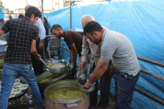 پخش 10 هزار آش رشته نذری به مناسبت عید غدیر/تصاویر