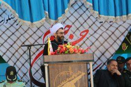 دفاع مقدس برگرفته از نهضت پر افتخار عاشورای حسینی است
