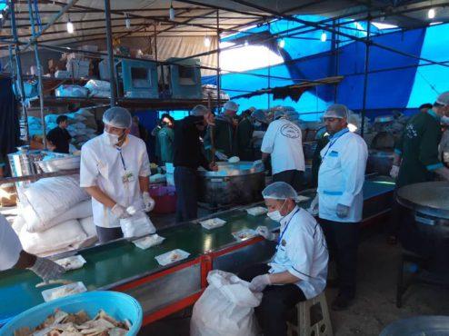 خدمات رسانی مخلصانه ۲۷۰ خادم در موکب خاتم الانبیاء رفسنجان مستقر در کربلا + عکس