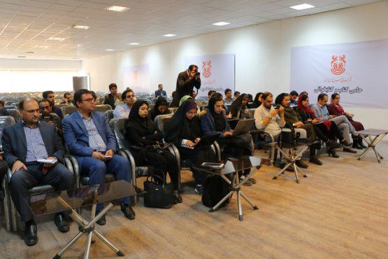 نشست نماینده رفسنجان در حاشیه چهارمین نمایشگاه مطبوعات و رسانه های استان کرمان / تصاویر