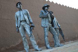 اجرای طولانی ترین پرفورمنس کشور در مقابل حصار قدیمی شهر رفسنجان / عکس