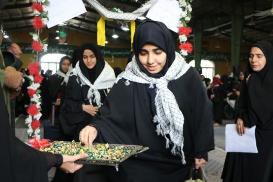 ۲۵۰ دانش آموز دختر از رفسنجان راهی سفر معنوی راهیان نور شدند / عکس