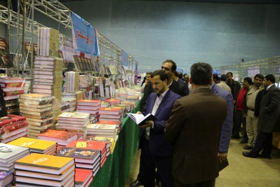 عرضه 7 هزار عنوان کتاب در دوازدهمین نمایشگاه کتاب مس در شهر سرچشمه / عکس
