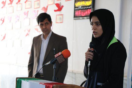 برپایی تریبون آزاد در مدرسه دخترانه شاهد رفسنجان / عکس