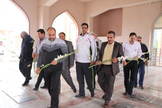 تجدید میثاق شهردار و معاونین وی با شهدا در اولین روز کاری سال جدید / تصاویر