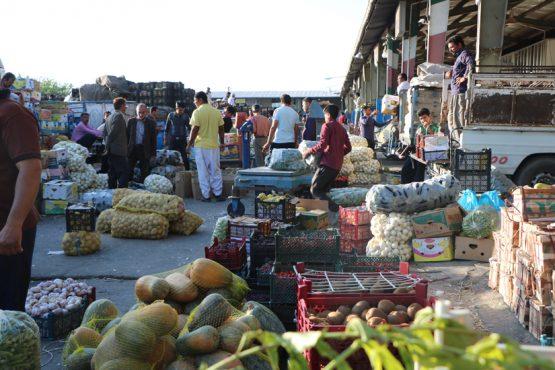 توزیع ۲۳۰ تن میوه شب عید در رفسنجان