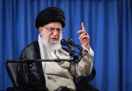 امام خامنهای: حج یک عمل سیاسی است/ دولت سعودی وظیفه تأمین امنیت زائران را دارد