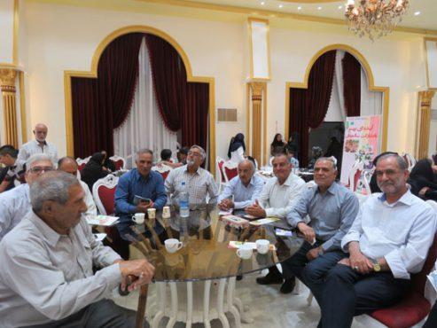آیین تکریم از بازنشستگان در رفسنجان برگزار شد/ عکس