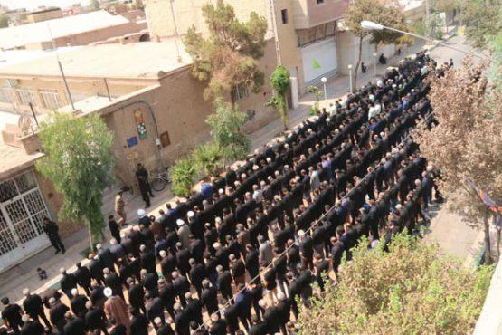 نماز جماعت ظهر عاشورا در رفسنجان اقامه شد/ تصاویر