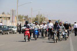 رژه موتور سواران قانونمند در رفسنجان/ عکس