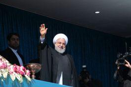 """سفر """"روحانی"""" به رفسنجان در قاب دوربین خانه خشتی"""