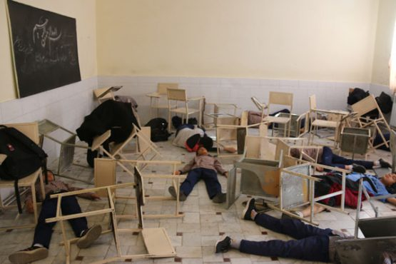 زلزله ی ۵ و نیم ریشتری، مدرسه شهید اسدی رفسنجان را لرزاند/ عکس