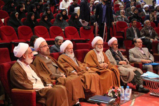 آیت الله جوادی آملی ظرفیت بزرگی برای طالبان علم است