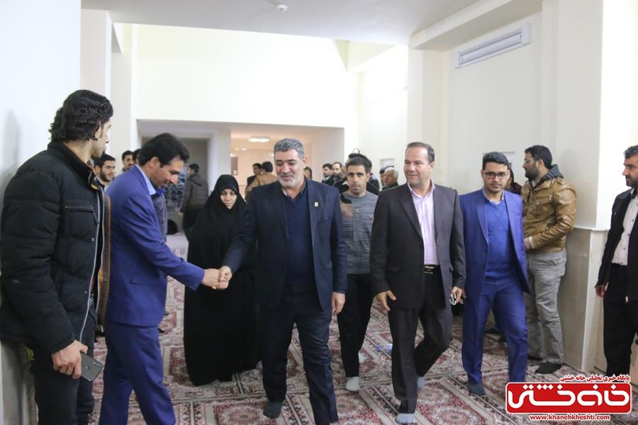 استقبال از خانواده شهید مجید قربانخانی(حر مدافعان حرم) در یادواره شهدای دانشگاه آزاد #رفسنجان