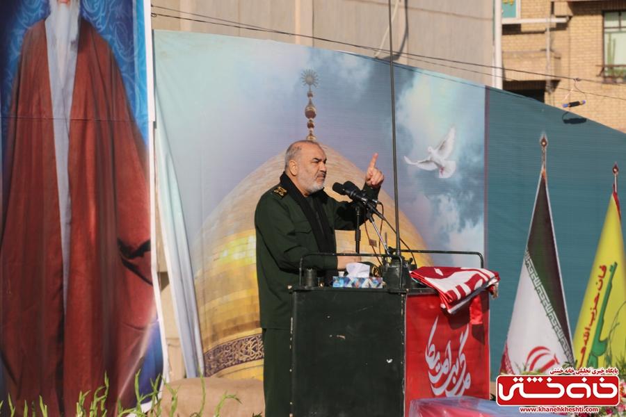 سردار سلامی در مراسم تشییع سردار شهید سپهبد حاج قاسم سلیمانی با حضور میلیونی مردم عزادار در شهر کرمان