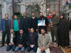 دیدار خادمین شهدای رفسنجان با خانواده شهید حسن رویگر+ عکس