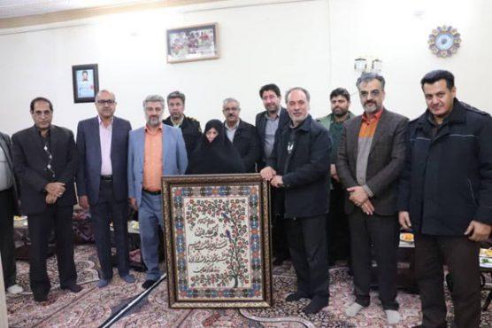 دیدار مسئولان رفسنجان با خانواده شهدای صنعت مس/ تصاویر
