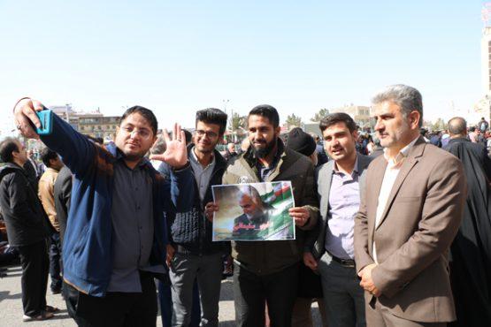 عکس های حاشیه ای از متن فجر سلیمانی در رفسنجان