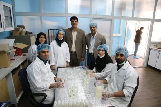 تولید ژل ضدعفونی کننده در مرکز رشد دانشگاه رفسنجان/خط تولید ماسک کربنی به زودی راه اندازی می شود