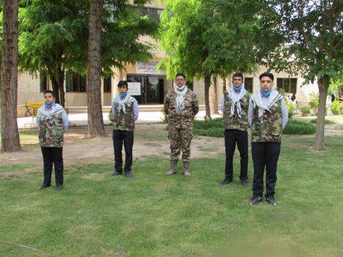 اجرای سرود دانش آموزان بسیجی رفسنجان از مدافعان سلامت در کرمان