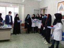 اهدا گان بهداشتی به پرسنل مرکز بهداشت کشکوئیه توسط خواهران جهادگر + تصاویر