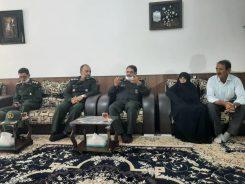 دیدار فرمانده سپاه ثارالله کرمان با خانواده شهدا در رفسنجان