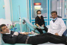 مهر رضوی با اهدای خون خادمیاران آستان قدس رضوی در رفسنجان تبلور یافت/ تصاویر
