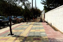 اجرای عملیات پیاده رو سازی معابر سطح شهر باجدیت ادامه دارد