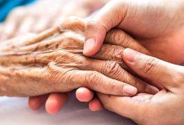 توصیه های معاون بهداشت وزارت بهداشت برای مراقبت از سالمندان در روزهای کرونایی