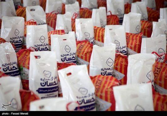 نخستین بسته های اهدایی ستاد فرمان امام در رفسنجان توزیع شد
